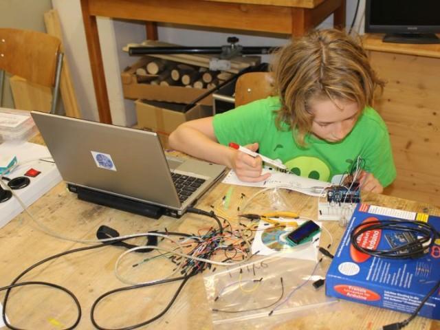 """Arduino 2: """"Lichter laufen"""""""