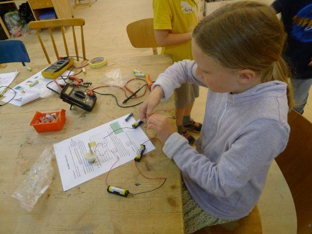 Strom sichtbar gemacht – Elektronik Grundkurs 1
